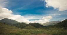蓝天白云山地图片