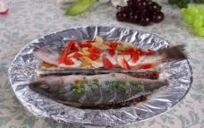 双味鲈鱼图片