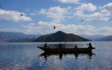 泸沽湖的美景图片