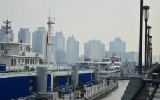 黄浦江的船图片