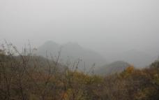 云山环绕图片