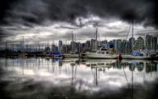 风暴来临前的港口图片