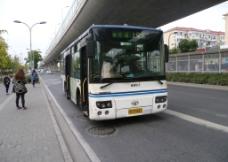 金球巴士的中巴图片