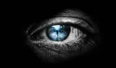 黑暗中的眼睛图片
