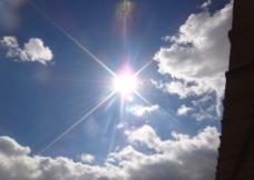 蓝天 白云 云彩 阳光 图片