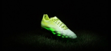 ADIDAS 足球鞋图片