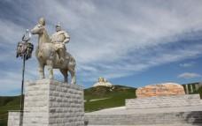 可汗山的骑马将军