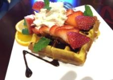 草莓松饼图片