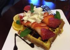 草莓芝士蛋糕图片