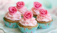 玫瑰杯子蛋糕图片