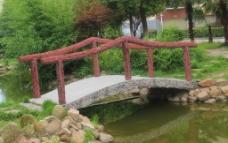 小区桥梁摄影图片