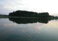 水天一色图片